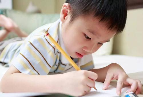 怎么培养孩子的专注力,从幼儿识字阶段开始